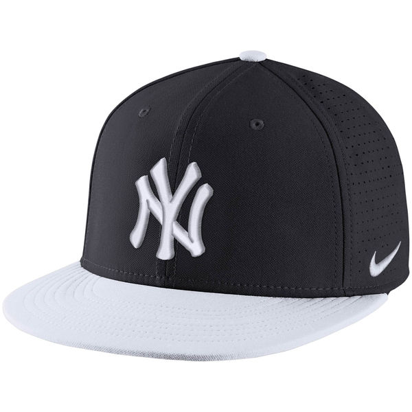 Nike New York Yankees Navy/White Aero True Adjustable Hat