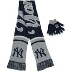 New York Yankees Women's Glove and Scarf Set